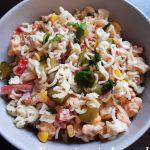 salatka-z-makaronem-z-zupek-chinskich-2