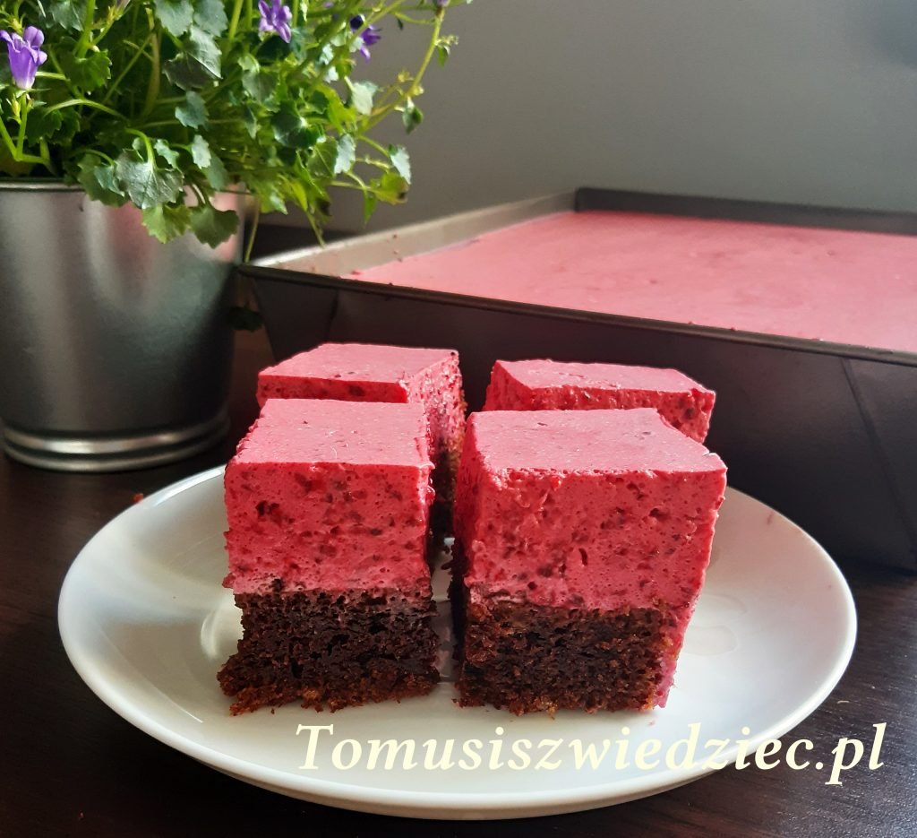 ciasto czekoladowe z musem malinowo - jeżynowym
