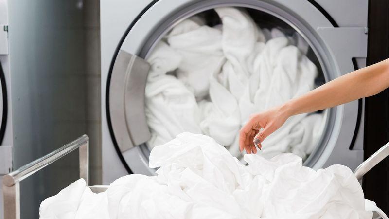jak wybielić poszarzałe ubrania